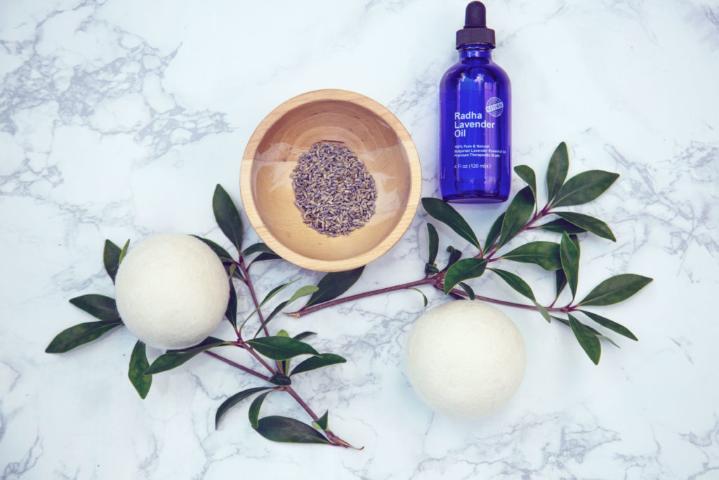 Dryer balls and lavender essential oil